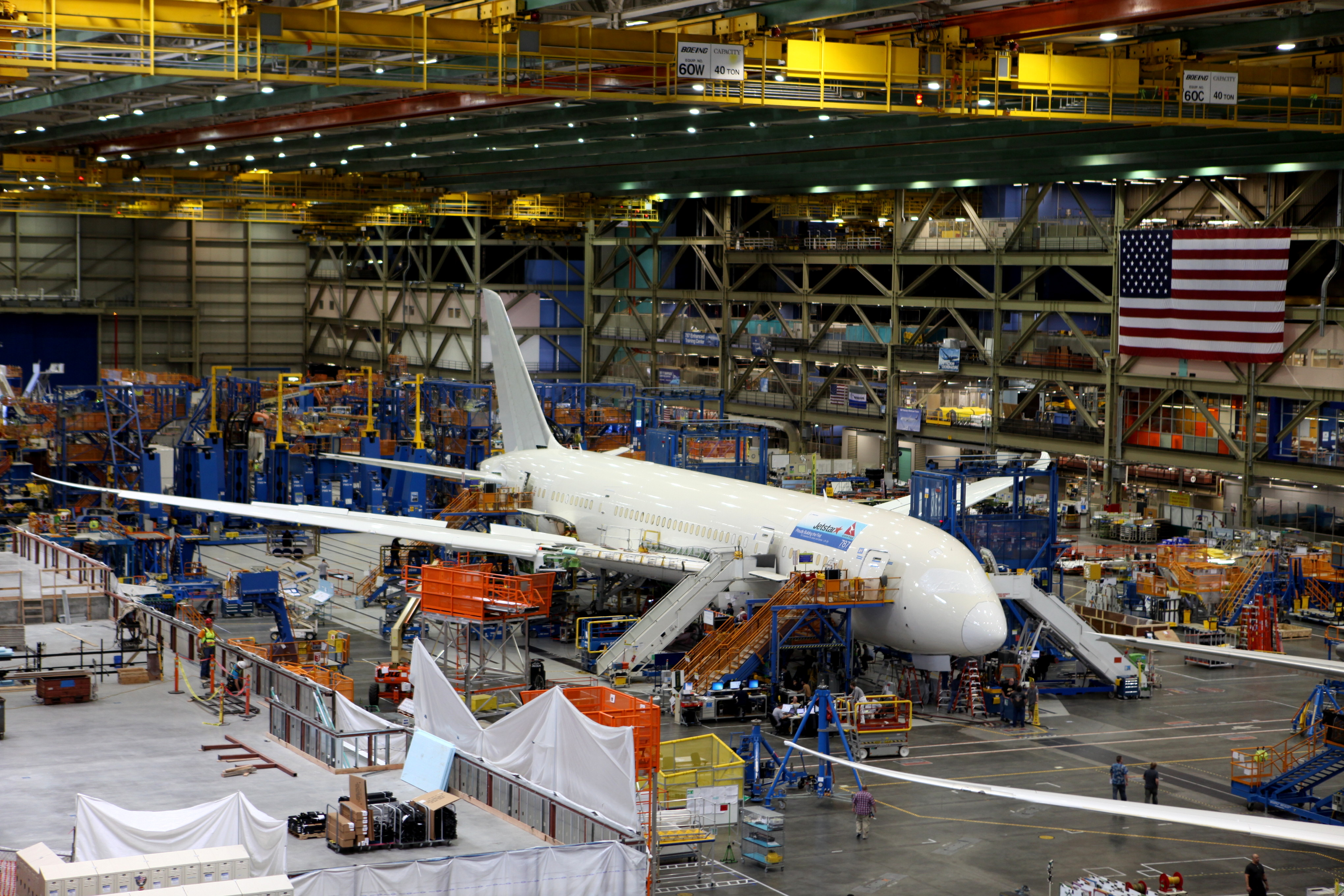 Jetstar's_first_787_on_the_production_line_(9132370198)